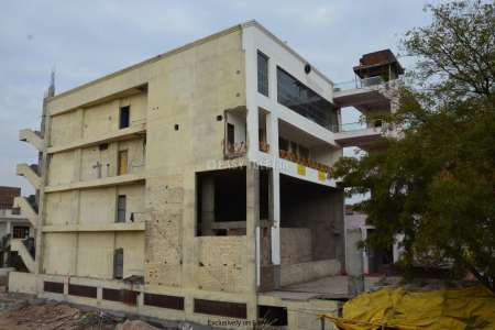Commercial Space For Rent In Tonk Road